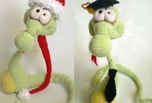 Snake Snakish toy with wire frame / Amigurumi toy Snake snakish crochet pattern by Astashova forum LittlOwlsHut / by LittleOwlsHut