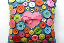 Button crafts / by Maure Gardiner