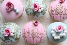 Cupcakes & Beautiful Cakes / Different, just beatiful or funny cakes! / by Nilsa Flores