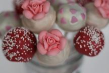 Recipes - Cake Pops / by Diana Mugford