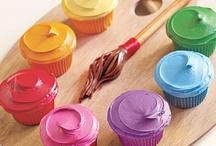 Fêtes à thème & anniversaires, gâteaux & cadeaux / by Braellyra Scrap
