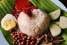 Food in Malaysia / by Trisha Velarmino