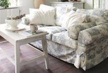 Living Room / by Jenn Tavoletti
