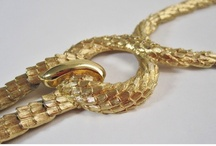 Vintage Jewelry / by Mimi Boutique