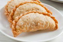 Sandwiches/Wraps/Empanadas/Hand Pies / by Jennifer S