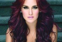 hair / by Kelly Navarro