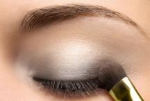 Make-Up / by Renata B.