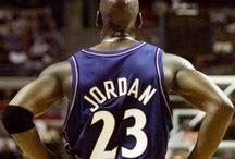 50 años de Jordan / Las mejores imágenes del mejor jugador de la historia del baloncesto, en conmemoración de su 50 cumpleaños / by El Periódico de Catalunya
