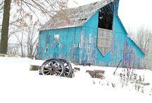 Barns, barns, and more barns / by Bonna Shook