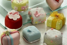 Petit fours / by Diane Hull
