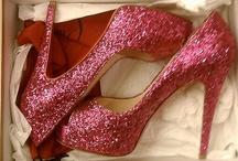 Omg... Shoes. / by Olivia Vialpando