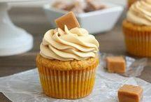 Cupcakes & Cake Pops / by Ashley Godshalk