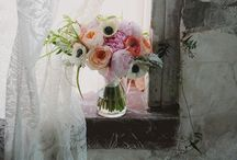 wedding blooms / by Nadia Boraby