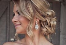 Hair - Updos / by Macy Forrest