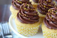 Cupcakes/Cakes / by Amy Bunch Baker
