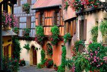 Favorite Places & Spaces / by Yayi Lugo-Gelpi