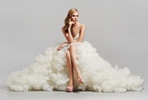 Wedding Dresses / by Veronica Rodrigues