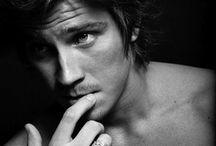 Handsome / by Fabiana Gauto