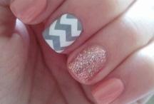 Nails / by Melanie Peire