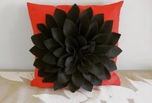 Pillow Ideas / by Bonnie