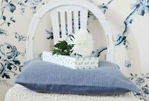 Blue and White Delights / Blue and white rooms, dishes, textiles, objets de' art. If it's blue and white, it's here. / by I Share My Pins!