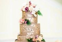 Wedding Cakes / by Divinity Buggs