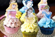 Cupcakes!  / by Hallie Keller
