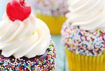 Cupcakes/Decorative Petite Treats / by Melissa Borders