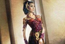 Indonesia's Kebayas / by Putri Permata