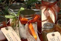 Gift Jars / by Francoise Lavergne
