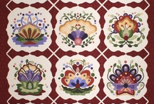 20 Applique Quilts / by Ellen Bee