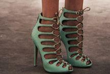 Zapatos / by María Abitia