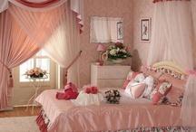 Little Lady's Room / by Kakuseisha Lilicutes Ateliê