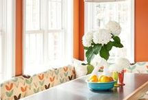 BREAKFAST ROOM / Lots of natural light. Cheerful, Bright  happy space. / by Rebecca McCray