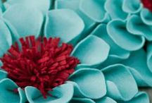 Hand Sculpted Flowers Felt / by Susan DeLucca