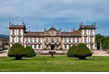 Portugal - Hotel, Restaurants: Places to stay, ou just hangout / Revisited palaces. Boutique and design hotels. Great places to go out for dinner, ou just to hangout. Life is about enjoying! / by Margarida Pedroso Ferreira
