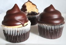 Cupcakes and Cake Pops / Sweeties.  / by Jennifer Cisney