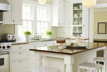 Kitchens / by Becky Hornback