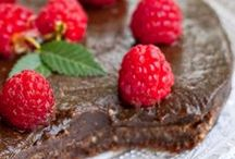 Raw Food / Tasty Raw Vegan Food / by Sambrini