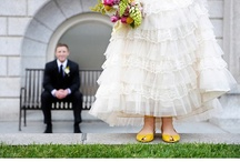 WEDDING PHOTO ideas  / I love taking wedding pictures! / by Colette Wagstaff