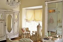 Dream Master Bedroom Suite / by Maggie Bee