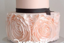 Cakes.  So  lovely romantic / by Beverly Mclean