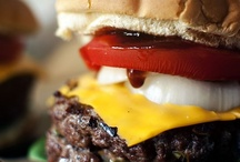 Hamburgers, Chicken & Turkey Burgers & Sliders / by Erica Castillo