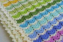 Points de crochet / grannys, bordures, points fantaisie.Napperons / by Armelle Cugnod