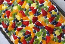 Foodie Foods / by Violet Rodriguez
