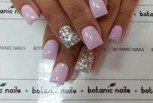 nails <3 / by Hannah Turner