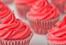 Cupcakes / by Allison McKinney