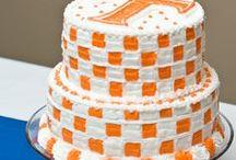 Cakes/ Desserts / by Brandie Hudson