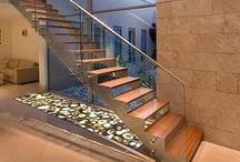 escadas / by Vanessa Scaff