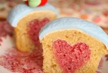 Cupcakes / by Alena Feltner